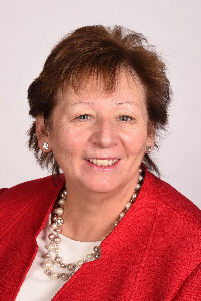 Lynda reflects on 45 years in nursing for International Nurses Day 2020