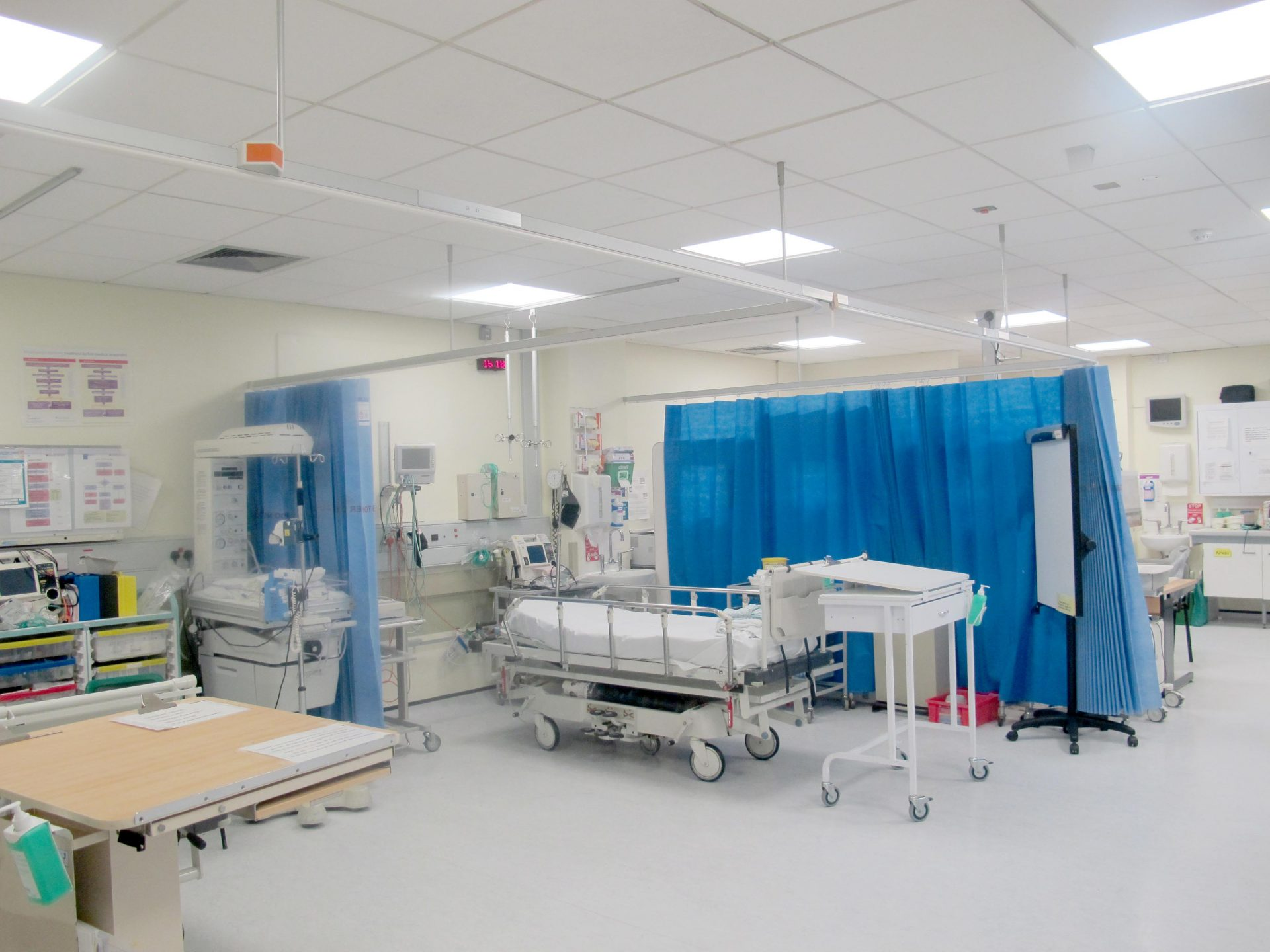 SMART lighting for Hull's hospitals to improve air quality