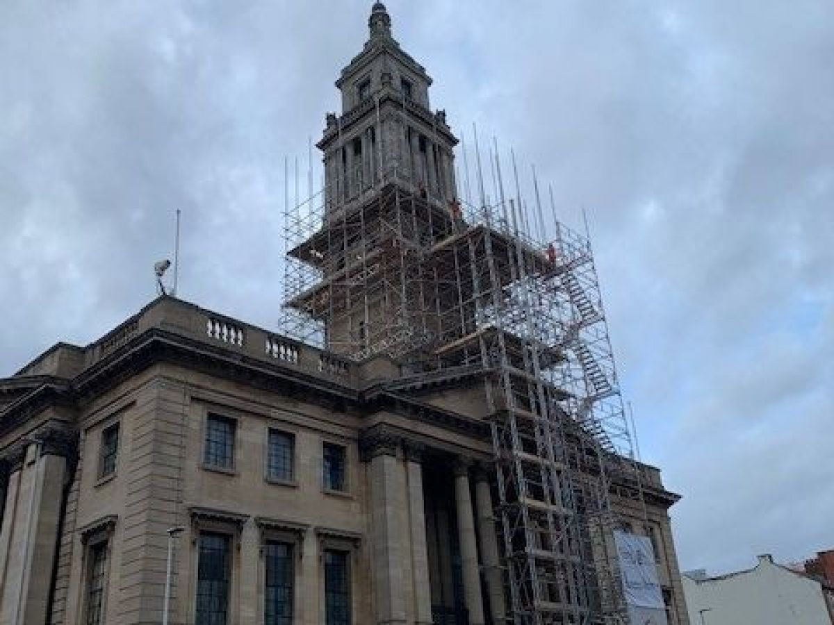 Hull's Guildhall carillon bells and clock fall silent for repairs