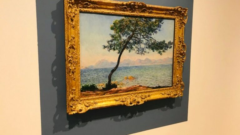Monet masterpiece arrives in Hull ahead of exciting new exhibition at Ferens Art Gallery