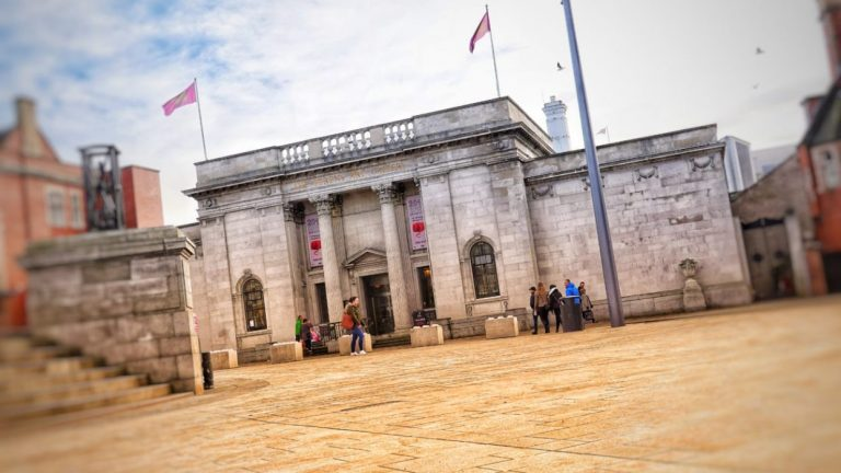 Hull museums announce plans for reopening