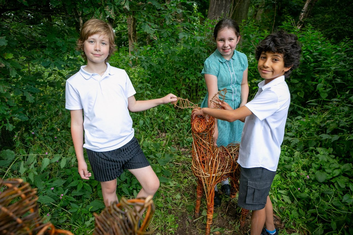 Read more about the article Children's willow sculptures bring art and nature together on Bridgehead wildlife trail