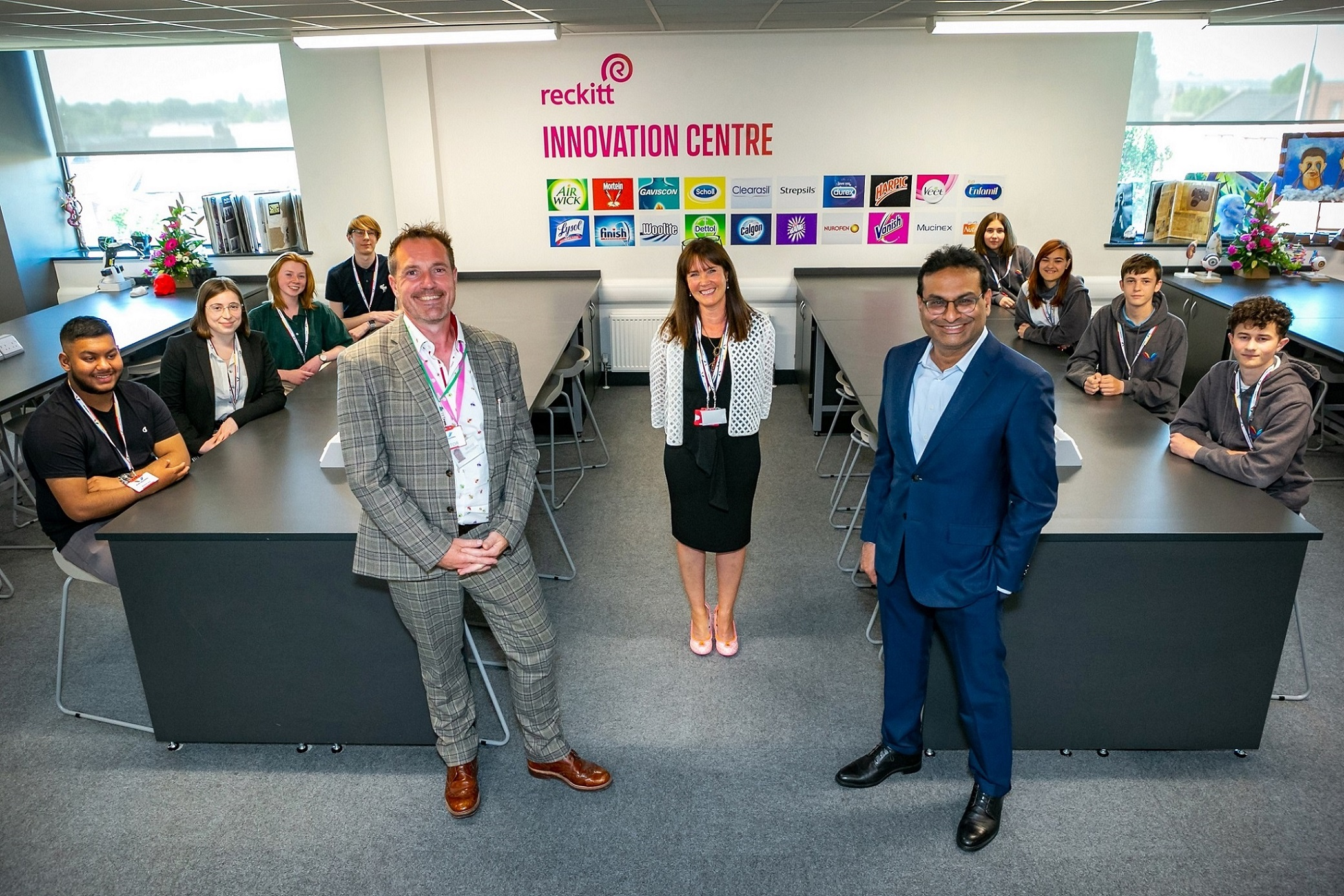 Read more about the article Reckitt CEO and CBI Director General visit Hull's Ron Dearing UTC