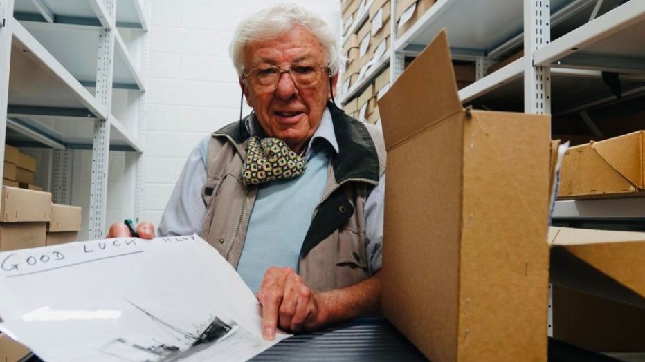 Read more about the article Celebrated Hull historian and photographer Dr Alec Gill MBE gifts his life's work to city